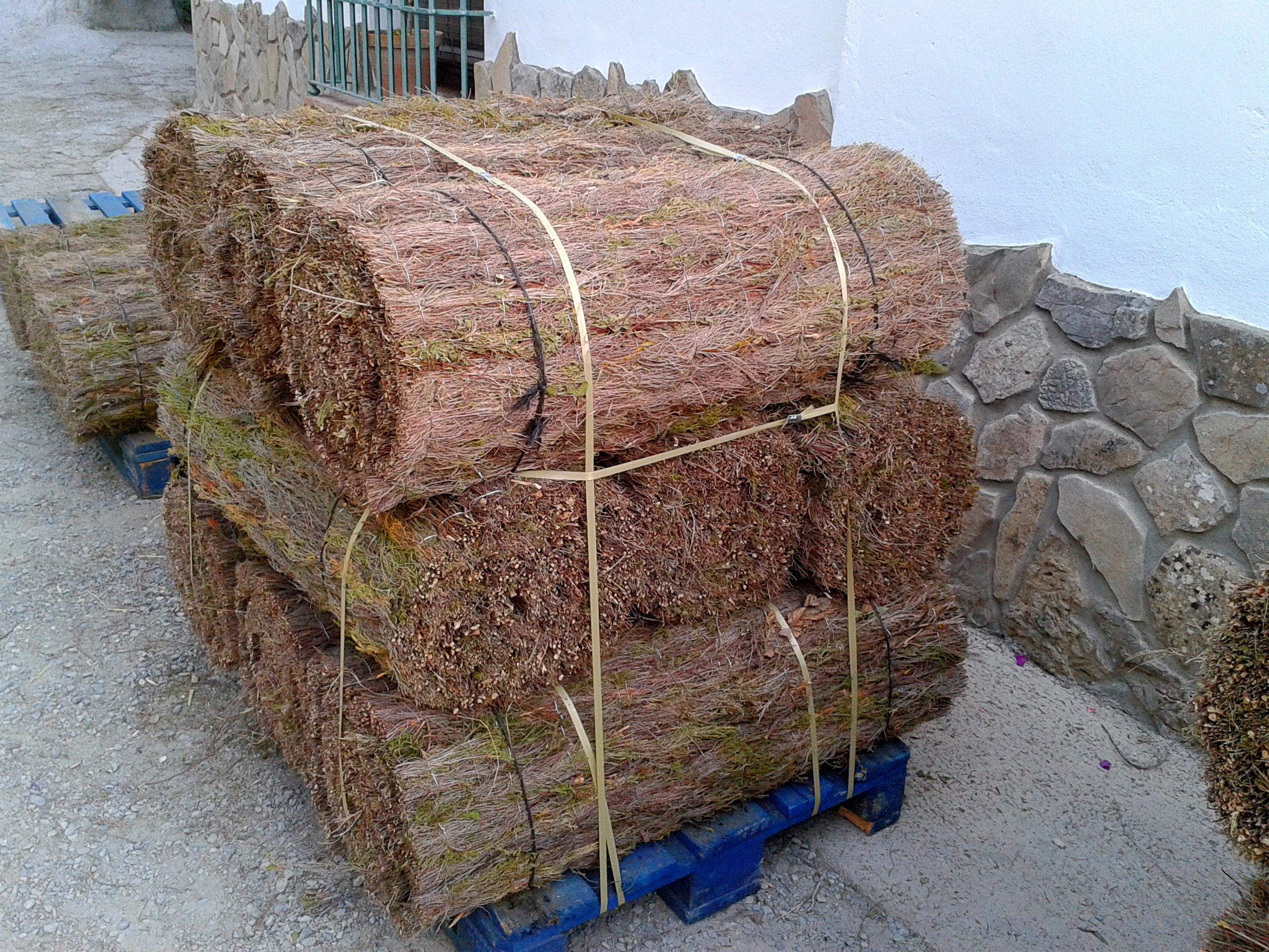 Rollos de brezo natural para instalaci n en setos vallas - Setos para vallas ...